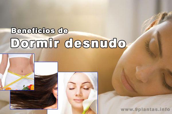 Beneficios de dormir desnudos